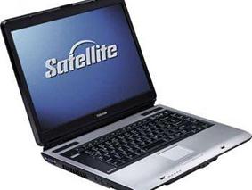 Замена матрицы на ноутбуке Toshiba Satellite A100 011